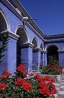Amérique/Amérique du Sud/Pérou/Arequipa : Le cloître des orangers et des géraniums