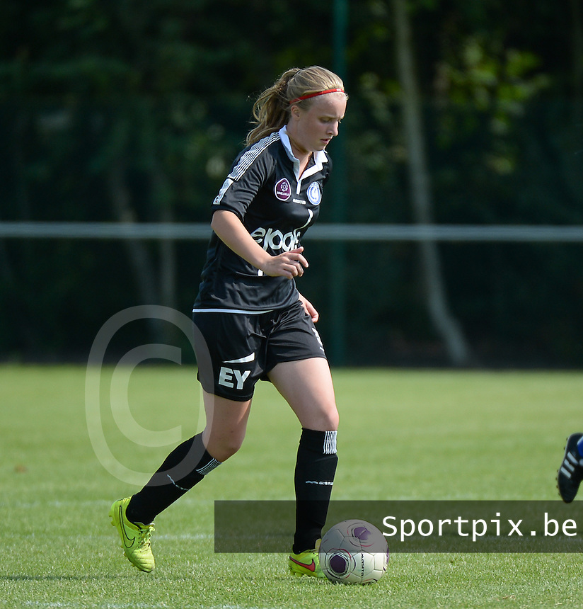 20150801 - WESTKAPELLE , BELGIUM : Gent's Lotte Dewilde pictured during a friendly soccer match with the women team of AA Gent Ladies , during the preparation for the 2015-2016 SUPERLEAGUE season, Saturday 1 August 2015 . PHOTO DAVID CATRY