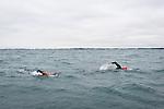 P. Croizon pour le monde Magzine. P. Croizon et Arnaud Chasséry se prépare pour le nouveau défi : ralier les cinqs continents à la nage en passsant par les principaux détroits. La préparation physique se déroule à la Trinité sur Mer dans le Morbihan.