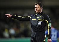 FUSSBALL   DFB POKAL   SAISON 2011/2012   VIERTELFINALE Holstein Kiel - Borussia Dortmund                          07.02.2012 Schiedsrichter Felix Zwayer