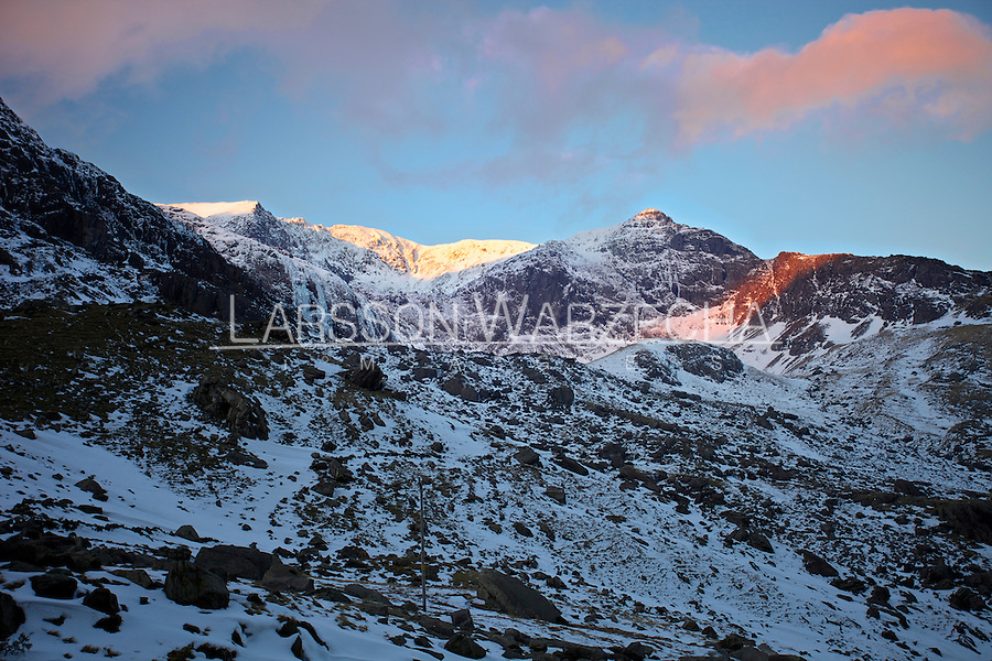Llanberis United Kingdom  city photos gallery : Winter sunrise over Llanberis Pass, North Wales, United Kingdom ...