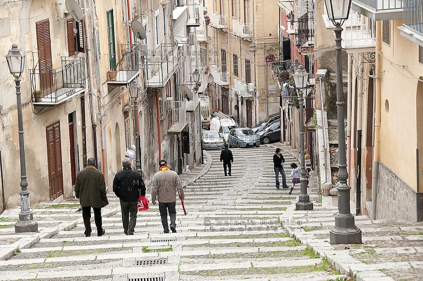 Termini Imerese, the city was living mainly around the Fiat factory which is about to close.<br /> Termini Imerese, la citta' vive l'incertezza di un destino costruito intorno alla Fiat che chiude il suo stabilimento nel 2011.