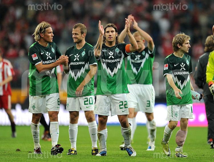 Fussball 1. Bundesliga :  Saison   2010/2011   3. Spieltag  11.09.2010 FC Bayern Muenchen - SV Werder Bremen Clemens Fritz, Daniel Jensen, Torsten Frings (v. li., SV Werder Bremen)