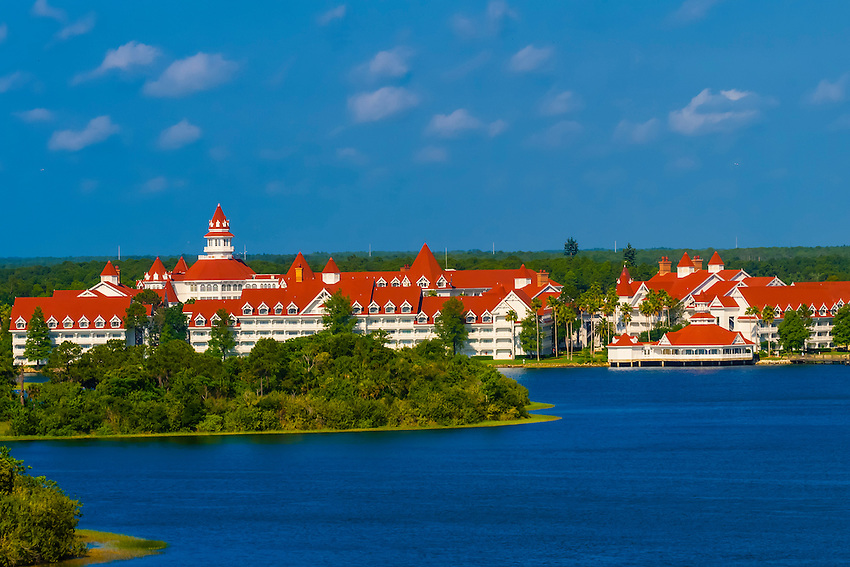 Grand Floridian Resort, Seven Seas Lagoon, Magic Kingdom, Walt Disney World, Orlando, Florida USA