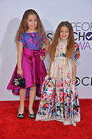 Sofia Jellen &amp; Olivia Jellen at the 2017 People's Choice Awards at The Microsoft Theatre, L.A. Live, Los Angeles, USA 18th January  2017<br /> Picture: Paul Smith/Featureflash/SilverHub 0208 004 5359 sales@silverhubmedia.com