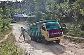 INDONESIA, Flores Archipelago, on the roads of Manggarai country;