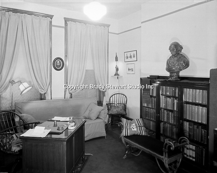 Pittsburgh PA:  A view of an English Professor's office at Duquesne University - 1932