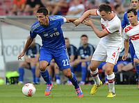 Fussball Europa League Play Offs:  Saison   2012/2013     VfB Stuttgart - Dynamo Moskau  22.08.2012 Kevin Kuranyi (li, Dynamo Moskau) gegen William Kvist (VfB Stuttgart)