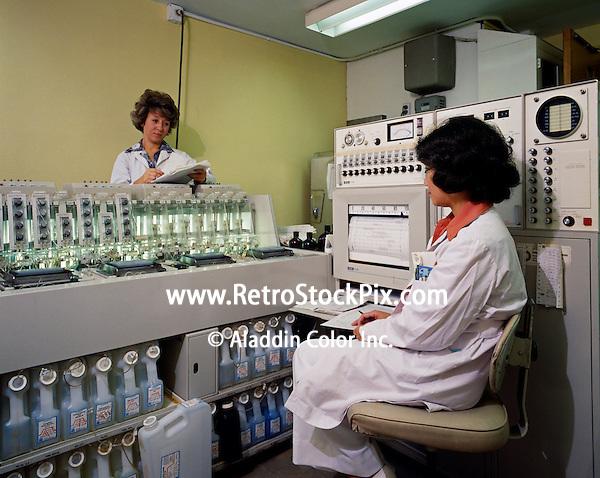 Women in laboratory