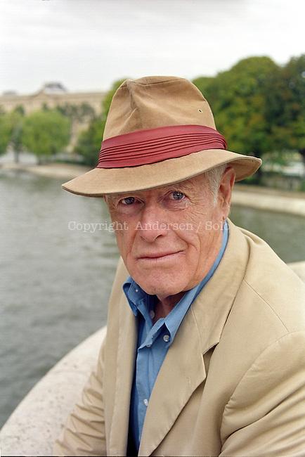 Salter James (1925-2015)
