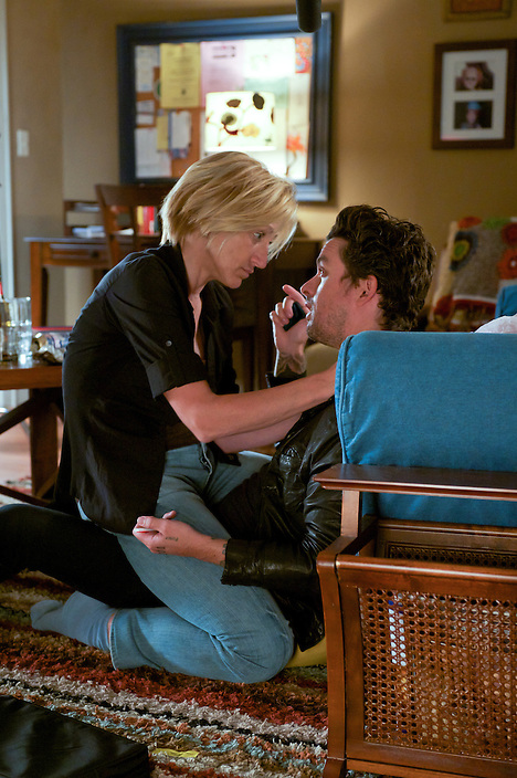 Edie Falco as Jackie Peyton and Billie Joe Armstrong as John in Nurse Jackie (Season 4, Episode 1) - Photo: David M. Russell/SHOWTIME - Photo ID: nurse_jackie_401_0058