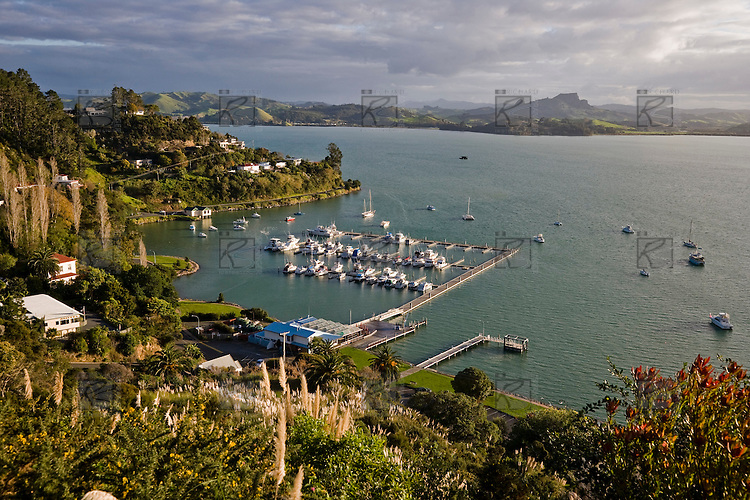 Whangaroa New Zealand  city photos gallery : Whangaroa Harbour situated on New Zealands northern east coast ...