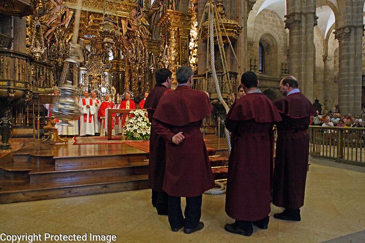 Espagne,Santiago de Compostela,Saint-Jaques-de-Compostelle,Cathedrale,messe,cérémonie du ' Botafumeiro' '  Grand Encensoir