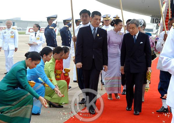 タイのプミポン国王が死んじゃったのに、こんなオラついた奴が長男で王位継承者だからね [無断転載禁止]©2ch.net [522275885]YouTube動画>1本 ->画像>85枚