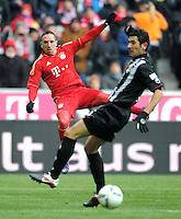 FUSSBALL   1. BUNDESLIGA  SAISON 2011/2012   21. Spieltag FC Bayern Muenchen - 1. FC Kaiserslautern       11.02.2012 Florian Dick (re, 1. FC Kaiserslautern) gegen Franck Ribery (FC Bayern Muenchen)