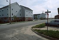 1989 April 18..East Ocean View.Cottage Line.29TH BAY STREET & PLEASANT AVENUE...NEG#.NRHA#..