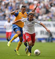 FUSSBALL   1. BUNDESLIGA   SAISON 2013/2014   4. SPIELTAG Hamburger SV - Eintracht Braunschweig                  31.08.2013 Karim Bellarabi (li, Braunschweig) gegen Petr Jiracek (re, Hamburger SV)