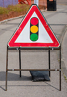 Temporary Traffic Lights Warning Sign - Jun 2014.