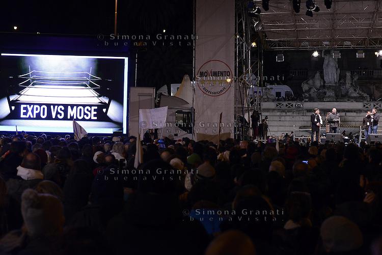 Roma, 24 Gennaio 2015<br /> Piazza del Popolo.<br /> La notte dell'onest&agrave;, manifestazione organizzata dal Movimento 5 stelle contro la curruzione e le mafie.<br /> Expo vs Mose
