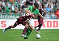 FUSSBALL   1. BUNDESLIGA   SAISON 2011/2012    1. SPIELTAG SV Werder Bremen - 1. FC Kaiserslautern             06.08.2011 Ivo ILICEVIC (li, Kaiserslautern) gegen Sokratis PAPASTATHOPOULOS (re, Bremen)