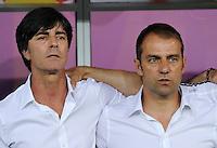 FUSSBALL  EUROPAMEISTERSCHAFT 2012   VORRUNDE Deutschland - Portugal          09.06.2012 Trainer Joachim Loew (li) und Co-Trainer Hansi Flick (re, beide Deutschland)