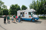 The Classified Senate celebrate their 25 Anniversary with ice cream. Photo by Ben Siegel/ Ohio University