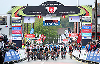 Picture by Alex Whitehead/SWpix.com 12/05/2017 -  Tour Series Round 3 Northwich - Men's Race - roll out start