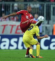 FUSSBALL   CHAMPIONS LEAGUE   SAISON 2011/2012     22.11.2011 FC Bayern Muenchen - FC Villarreal Jerome Boateng (li, FC Bayern Muenchen) gegen Marco Ruben (Villarreal CF)