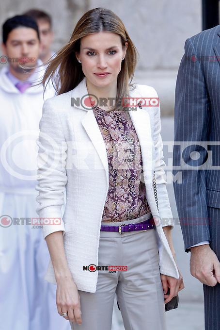 2012.04.08 La princesa Letizia sale de misa de Pascua en la Catedral de Madrid en Espa&ntilde;a. 08 de abril 2012. <br /> (Cr&eacute;dito:Covacs*cara*a*cara/Mediapunchinc/NortePhoto.com)<br /> **SOLO*VENTA*EN*MEXiCO**<br /> **CREDITO OBLIGATORIO** <br /> *No*Venta*A*Terceros*<br /> *No*Sale*So*Shird*