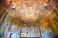First Tribune Room ( Prima stanza tribune). The room was probably decorated by Cesare Nebbia in 1569, and the depictions depict the first legendary accounts of Tivoli. Villa d'Este, Tivoli, Italy. A UNESCO World Heritage Site.