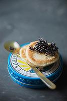 Gastronomie générale, Caviar Petrossian // Gastronomy,  Petrossian Caviar - Stylisme : Valérie LHOMME