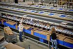 Nederland, Waalwijk, 1-12-2012 -  Top kerstdrukte bij het distributiecentrum van internet winkel Bol.com. FOTO: Gerard Til