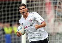 FUSSBALL   1. BUNDESLIGA  SAISON 2011/2012   4. Spieltag 1. FC Kaiserslautern - FC Bayern Muenchen         27.08.2011 JUBEL nach dem TOR zum 0:1 Mario Gomez (FC Bayern Muenchen)