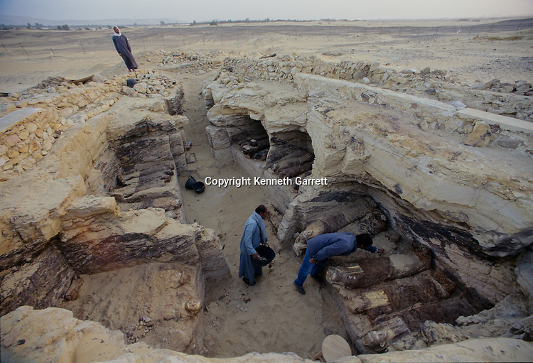 Mysterious Discoveries That Define Ancient Egypt SHUGHAL - Explorers discover ancient 1200 year old egyptian city