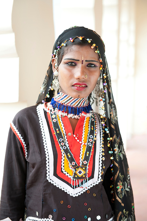 Indian Girl in Traditional Dress | Johnny Greig - Photographer
