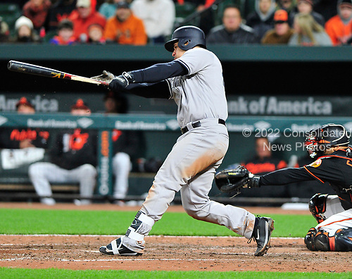 New York Yankees catcher Gary Sanchez (24) breaks his bat as he grounded out to Baltimore Orioles relief pitcher Zach Britton (53) for the second out in the ninth inning at Oriole Park at Camden Yards in Baltimore, MD on Friday, April 7, 2017.  The Orioles won the game 6 - 5.<br /> Credit: Ron Sachs / CNP<br /> (RESTRICTION: NO New York or New Jersey Newspapers or newspapers within a 75 mile radius of New York City)