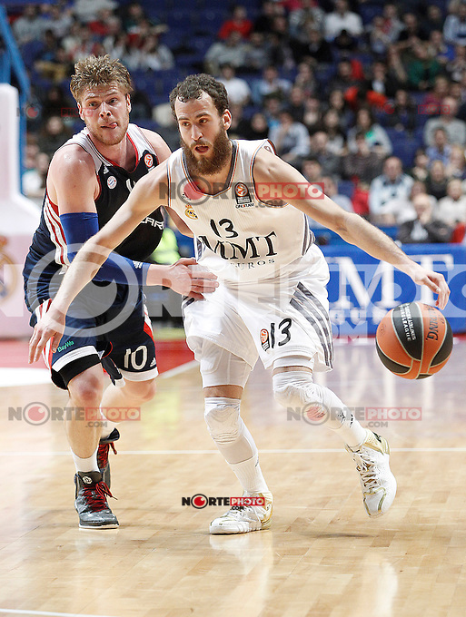 Basket Real Madrid´s Rodriguez (R) and Bayern Munich´s  Staiger during Euroleague Basketball match in Palacio de los Deportes stadium in Madrid, Spain. January 15, 2014. (ALTERPHOTOS/Victor Blanco)