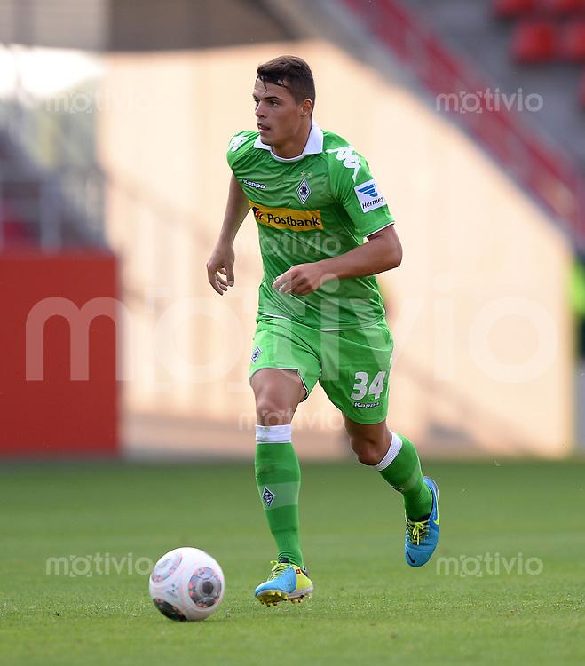 FUSSBALL  1. Bundesliga   2013/2014   Testspiel  FC Ingolstadt 04 - Borussia Moenchengladbach    13.07.2013 Granit Xhaka (Borussia Moenchengladbach) am Ball