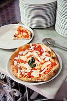 Ristorante e Pizzeria Bellini, serving popular street food - Pizza al Portofoglio, Naples, Italy