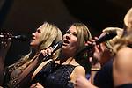 Foto: VidiPhoto<br /> <br /> RHENEN - Concert Ode Rineke de Wit &amp; Friends in de Cunarakerk in Rhenen. Met medewerking van de vocal group Filiae, fluitist Severin van Dijk, de Lukaskapel en sopraan Maria den Hertog. Tevens presentatie van het solo-debuut ODE op CD.