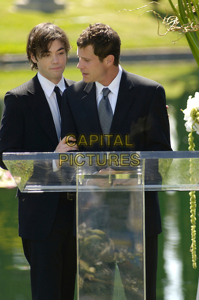 JOHN HENSLEY & DYLAN WALSH.in Nip/Tuck.(Season 3).Nip Tuck            .*Editorial Use Only*.www.capitalpictures.com.sales@capitalpictures.com.Supplied by Capital Pictures.