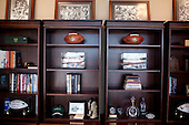 Houston, Texas<br /> October 2, 2011<br /> <br /> The office shelves of the general manager and first as executive vice president, Rick Smith oversees all aspects of football operations. Smith has strengthened Houston's roster through the draft, free agency and several trades at key positions.<br /> <br /> The Houston Texans defeated the Pittsburgh Steelers at the Reliant Stadium 17 to 10.