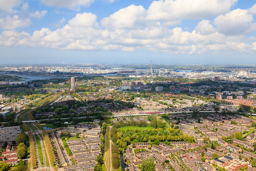 Nederland, Zuid-Holland, Rotterdam, 09-05-2013;<br /> Hoogvliet, stadsuitbreiding.<br /> Urban expansion, Rotterdam region.<br /> luchtfoto (toeslag op standard tarieven)<br /> aerial photo (additional fee required)<br /> copyright foto/photo Siebe Swart
