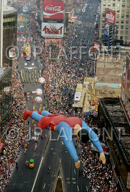 Manhattan, New York City, NY. November 24th, 1988. <br /> Superman seen at the famous Macy's Thanksgiving Parade.