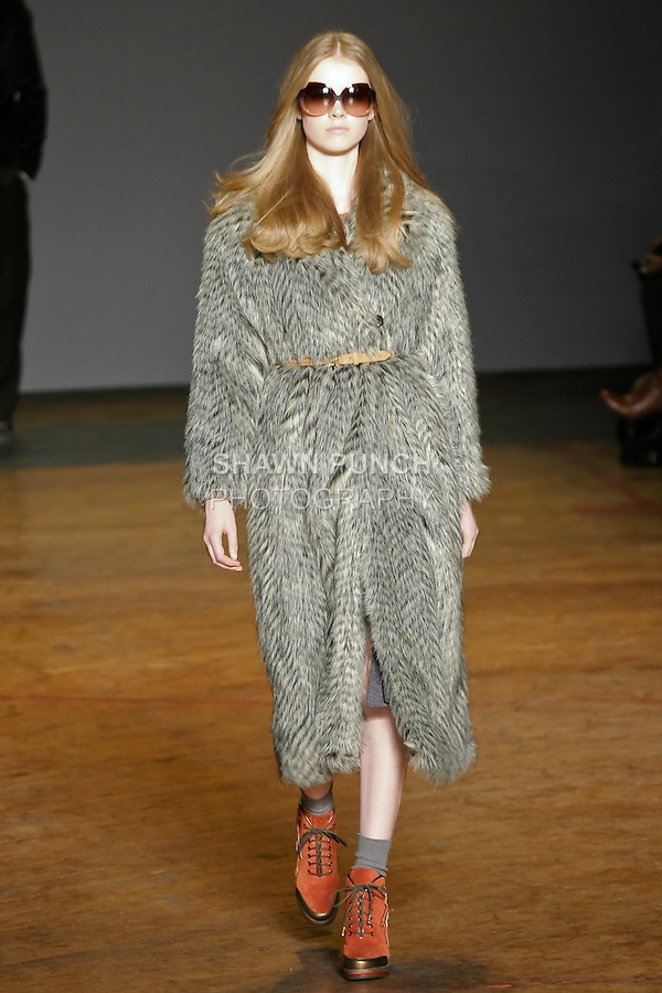 Gwen Loos walks runway in an outfit from the Marc by Marc Jacobs Fall/Winter 2011 collection, during New York Fashion Week, Fall 2011.