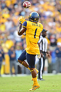 Landover, MD - SEPT 24, 2016: West Virginia Mountaineers wide receiver Shelton Gibson (1) catches a big third down pass during their match up against BYU at FedEx Field in Landover, MD. (Photo by Phil Peters/Media Images International)