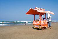 Vendors on the beach in Tuxpan. Veracruz, Mexico. June 18, 2007