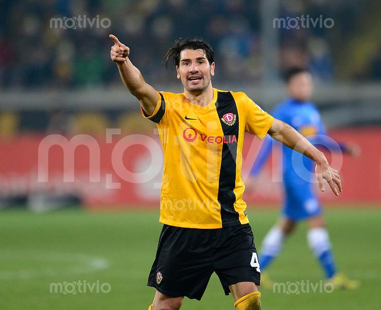 Fussball, 2. Bundesliga, Saison 2013/14, 19. Spieltag, SG Dynamo Dresden - Vfl Bochum, Freitag (20.12.13), Dresden, Gluecksgas Stadion. Dresdens Cristian Fiel.