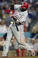 08/9/11 Los Angeles, CA: Philadelphia Phillies first baseman Ryan Howard #6 during an MLB game against the Los Angeles Dodgers played at Dodger Stadium. The Phillies defeated the Dodgers 5-3.
