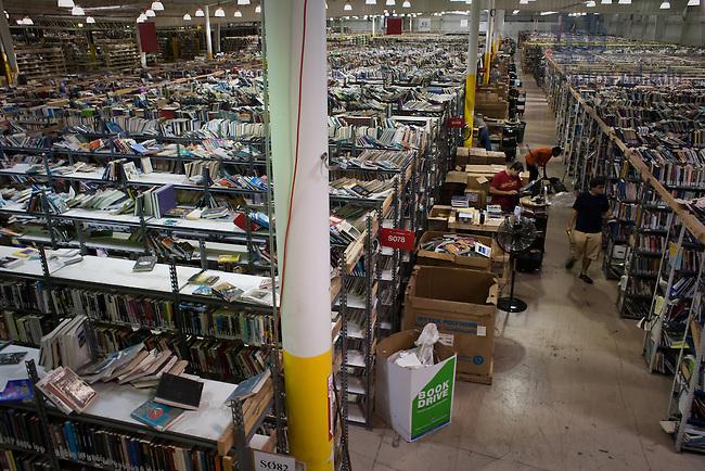 Better World Books facility in Mishawaka, IN, September 2007...Photo by Matt Cashore/University of Notre Dame..